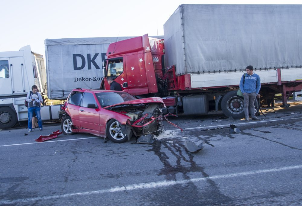 truck drivers texting could cause accidents